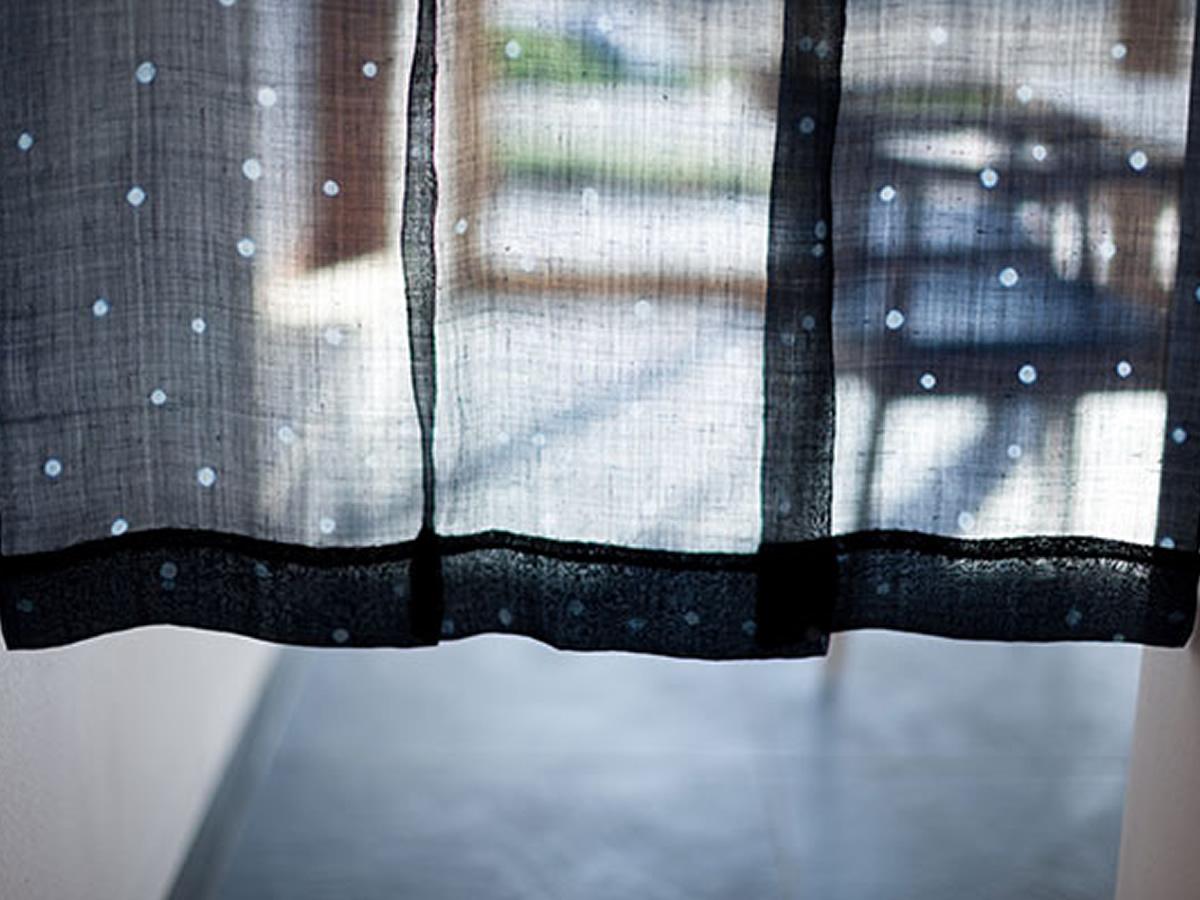 畑と共に暮らす家 藍の暖簾
