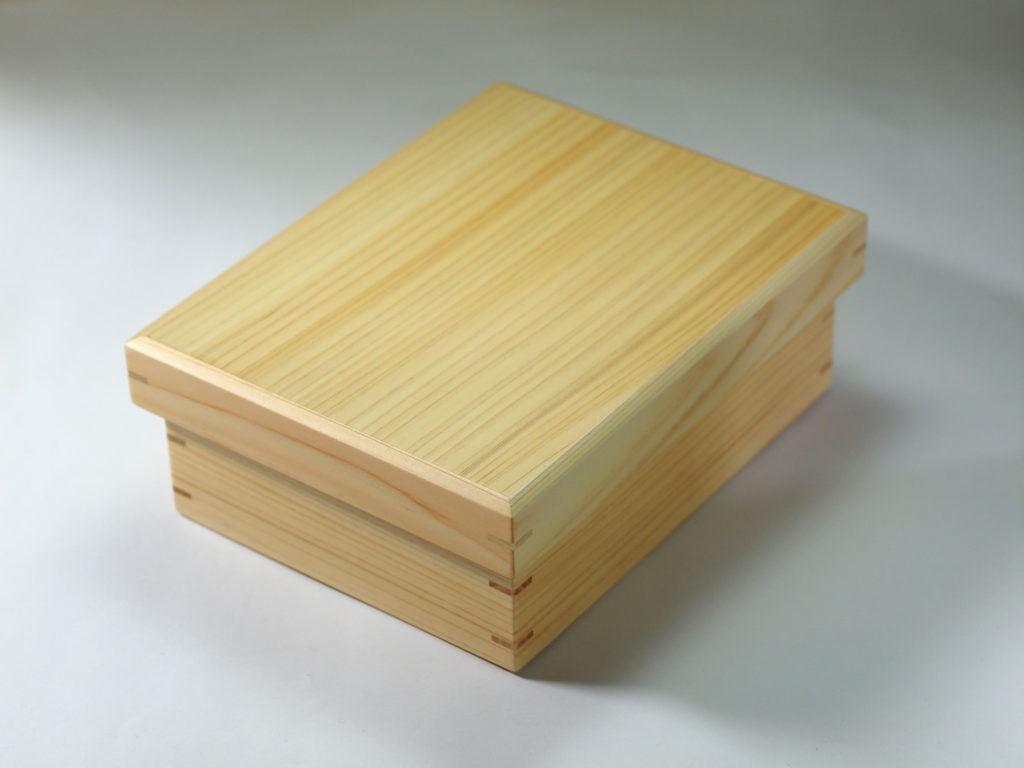 百輪箱/Centennial Box